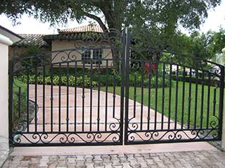 The Right Driveway Gate For Your Property | Gate Repair Thousand Oaks, CA